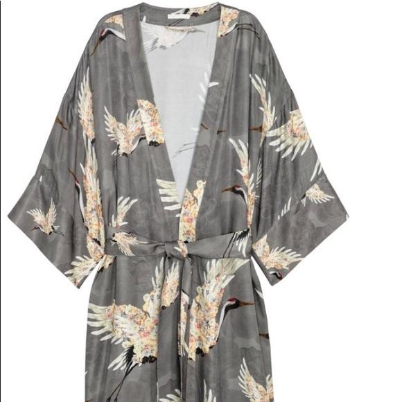 7eca5585f587 H&M Tops | Beautiful Crane Print Kimono | Poshmark